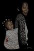 vrouw met kind op rug